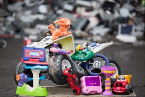 SEND YOUR ELECTRONIC TOYS TO A BETTER PLACE THIS CHRISTMAS